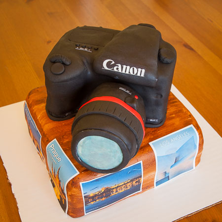 A camera cake made with with Fondant icing.
