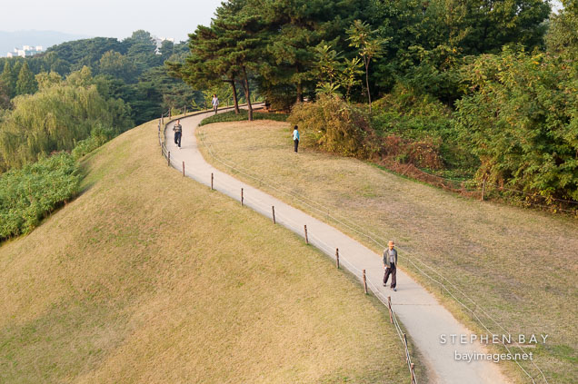 Seoul's Olympic Park boasts many walking trails that are popular with park visitors.
