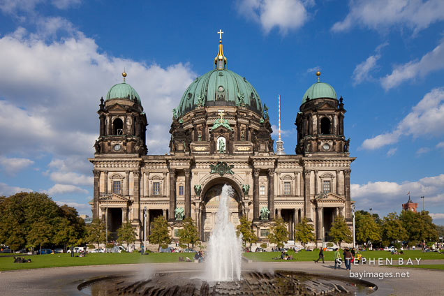 Fountain in front of the Berliner Dom. Berlin, Germany