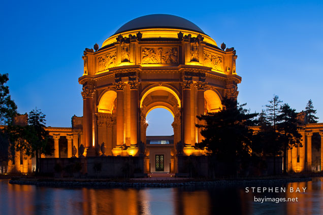 Palace of Fine Arts. San Francisco, California.