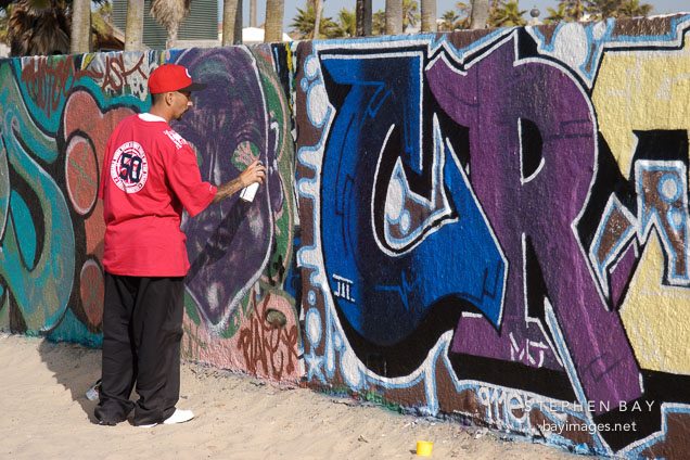 Graffiti artist. Venice, California, USA.