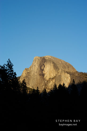 Photo the sun sets on half dome yosemite national park for 4758 setting sun terrace