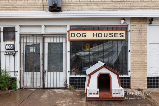 Dog houses for sale. Dallas, Texas.