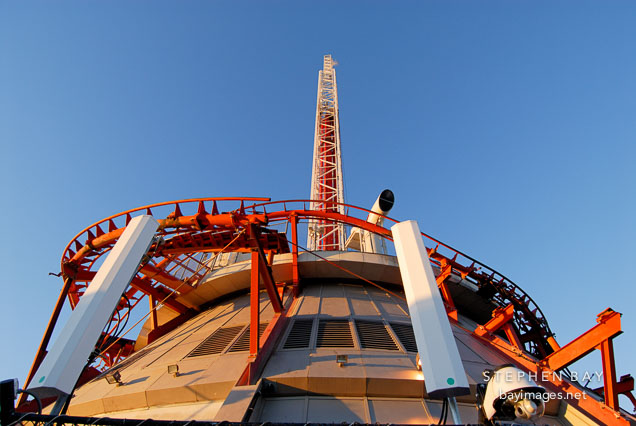 Photo Roller Coaster Tracks At The Top Of The Stratosphere Las