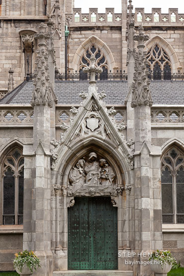 photo gothic revival architecture of grace church new york