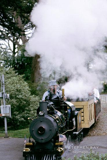 22' gauge Cagney Locomotive. San Francisco Zoo, California.