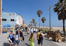 People by Venice beach. California, USA. - Photo #7400