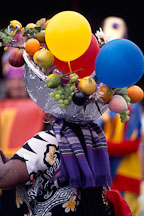 Fruit hat with balloons. Carnaval's grand parade. San Francisco. - Photo #1101