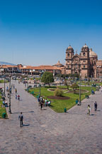 Plaza de Armas and Iglesia de la Compania de Jesus. Cusco, Peru. - Photo #9468