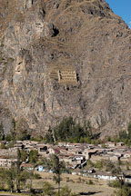 Town of Ollanta and Pincuylluna. Sacred Valley, Peru. - Photo #9141