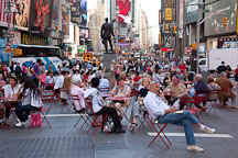 Crowd of people enjoying Times Square in New York. - Photo #25211