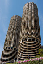 Marina city, known locally as corn on the cob. Chicago, Illinois, USA. - Photo #10810