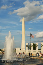 Fountain, Washington Monument, and National World War II Memorial. Washington, D.C., USA. - Photo #12766