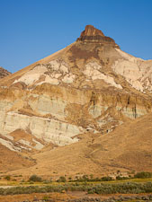 Sheep Rock. John Day Fossil Beds, Oregon. - Photo #27814