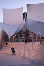 Visitors to the Walt Disney Concert Hall. Los Angeles, California, USA. - Photo #4515
