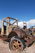 Abandoned car. Goldfield, Phoenix, Arizona, USA. - Photo #5516