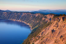 Crater lake rim at sunrise. Oregon. - Photo #27416