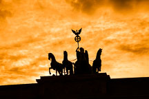 Silhouette of Quadriga, a four horse chariot driven by the goddess Victoria. - Photo #30417
