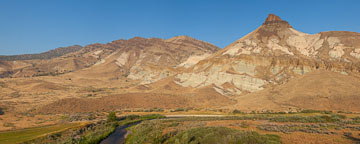 Panorama of Sheep Rock and John Day River. - Photo #27817