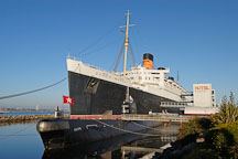 Queen Mary and Russian submarine B-427 Scorpian. Long Beach, California, USA. - Photo #8518