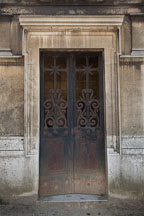 Tomb door. Pere Lachaise Cemetery, Paris, France. - Photo #31418