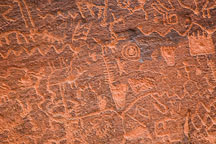 Petroglyphs including fish bones, serpents, humans. V-bar-V Heritage Site, Arizona, USA. - Photo #17811