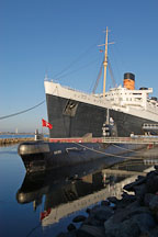 Queen Mary cruise ship and Russian submarine reflected in the water. Long Beach, California, USA. - Photo #8519