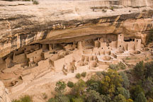 Cliff Palace is built in an alcove in a sandstone cliff. Mesa Verde NP, Colorado. - Photo #18550