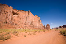 Valley Drive, empty dirt road. Monument Valley, Arizona. - Photo #18778