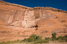 First Ruin, a small cliff dwelling near the entrance of Canyon de Chelly. Canyon de Chelly NM, Arizona. - Photo #18094