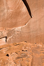 Human and animal figure petroglyphs. Canyon de Chelly NM, Arizona. - Photo #18078