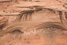 Mummy cave ruin is contains over 80 rooms and 3 kivas. Canyon de Chelly NM, Arizona. - Photo #18474