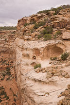 Small room used for food storage at Yucca Cave Ruin. Canyon de Chelly NM, Arizona. - Photo #18412