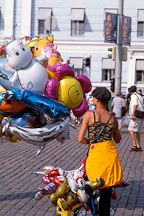 Girl selling balloons. Kauppatori, Helsinki, Finland - Photo #435