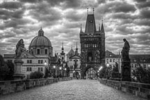 Charles bridge at dawn. Prague, Czech Republic. - Photo #30121