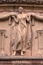 Sculpture of woman at the Palace of Fine Arts. San Francisco, California, USA. - Photo #121