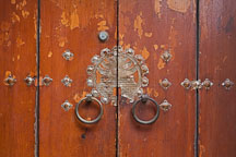 A close-up view of the door to a traditional Korean home, or hanok. - Photo #20918