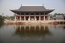 Gyeonghoeru Pavilion overlooks a large pond at Gyeongbok Palace in Seoul, South Korea. - Photo #20997