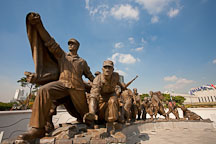 The Statues Defending the Fatherland, half of which are depicted here, are a series of sculptures depicting 38 people from all walks of life who were affected by the Korean War. - Photo #20773
