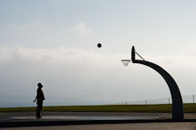 Shooting hoops at Angels Gate Park. San Pedro, California, USA. - Photo #7322