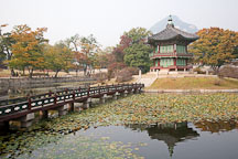 Pavilion and bridge Hyangwonjeong pond at Gyeongbok Palace in Seoul, South Korea. - Photo #21046