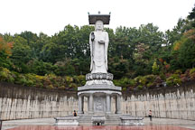Mireukdaebul is a giant statue of Maitrya, the Buddha of the future. Bongeunsa Temple, Seoul, Korea. - Photo #21849
