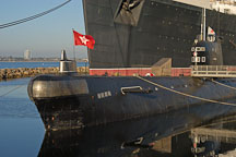 Russian submarine B-427 Scorpian in front of the Queen Mary. Long Beach, California, USA. - Photo #8524