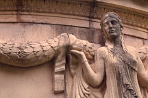 Sculpture of woman holding garland. Palace of Fine Arts, San Francisco, California, USA. - Photo #125
