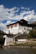 Paro Dzong. - Photo #24376