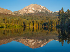 Lake Manzanita and Mount Lassen. Lassen Volcanic National Park, California. - Photo #27026