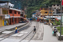 Train tracks. Aguas Calientes, Peru. - Photo #10127