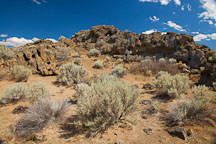 Petroglyph point trail. Lava Beds NM, California. - Photo #27214