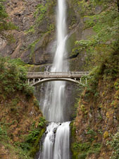 Benson bridge and Multnomah Falls. Columbia River Gorge, Oregon. - Photo #28252