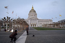 Tourists taking pictures of City Hall. San Francisco, California, USA. - Photo #1021